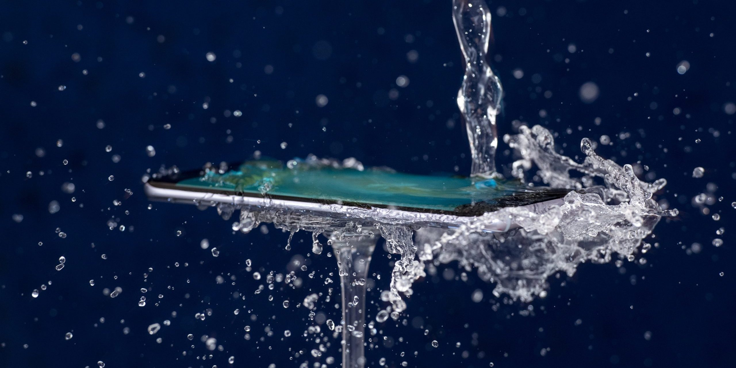 Cellphone with Aculon PCB Waterproofing